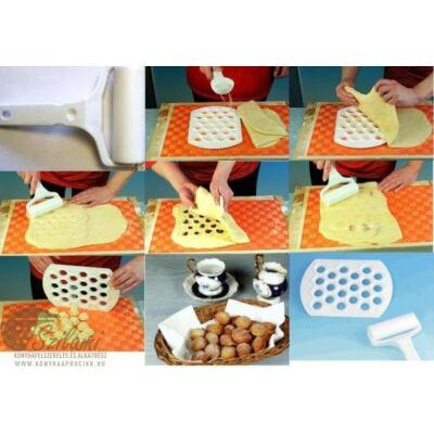 Ravioli készítő műanyag + tésztanyújtó henger